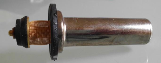 W124/W126: Seitenansicht des Monoventils (Taktventil-Einsatz). Hinter dem Sieb befindet sich der Hubkolben.